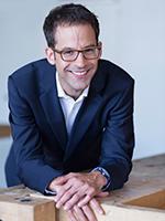 Dr. Patrik Hof